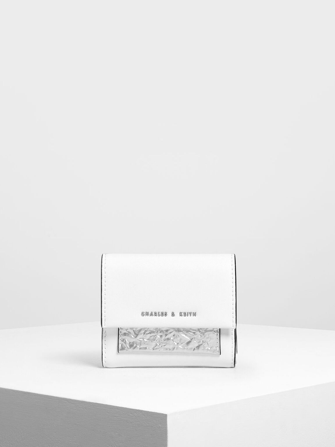 Stitch Detail Front Flap Short Wallet, White, hi-res