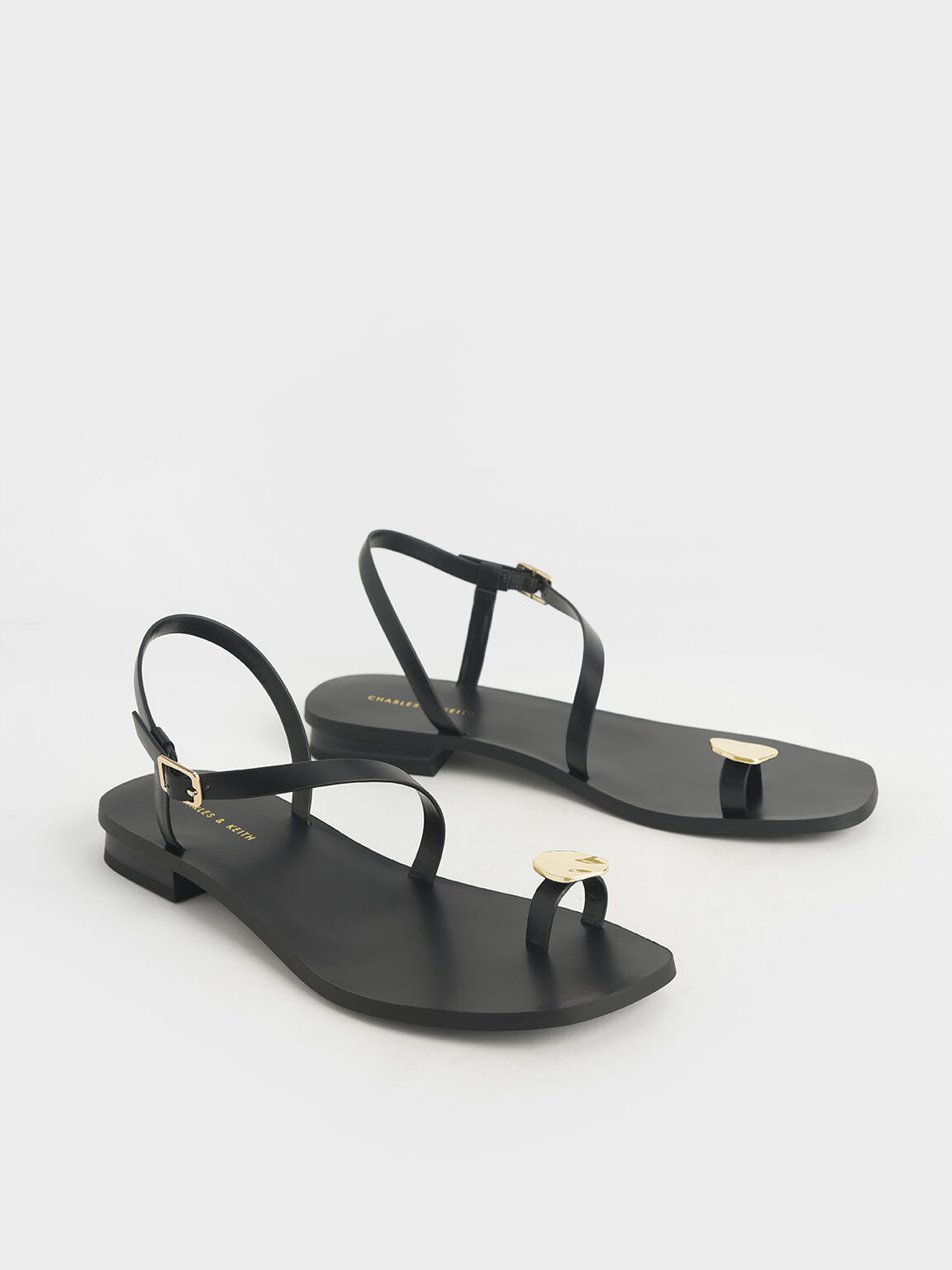 Metal Accent Toe Loop Sandals, Black, hi-res