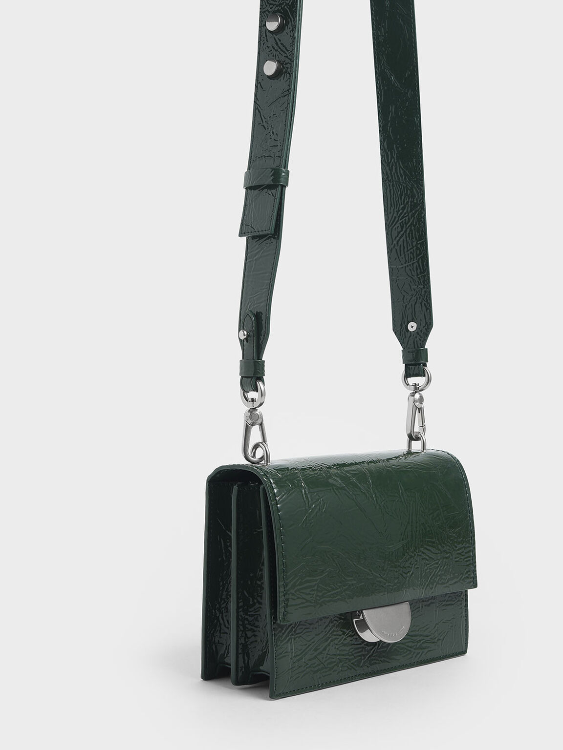 Round Metal Accent Wrinkled Patent Bag, Dark Green, hi-res