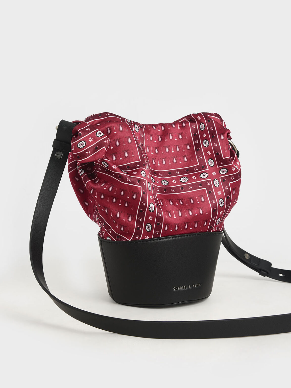 Summer 2020 Responsible Collection: Bandana Print Bucket Bag, Red, hi-res