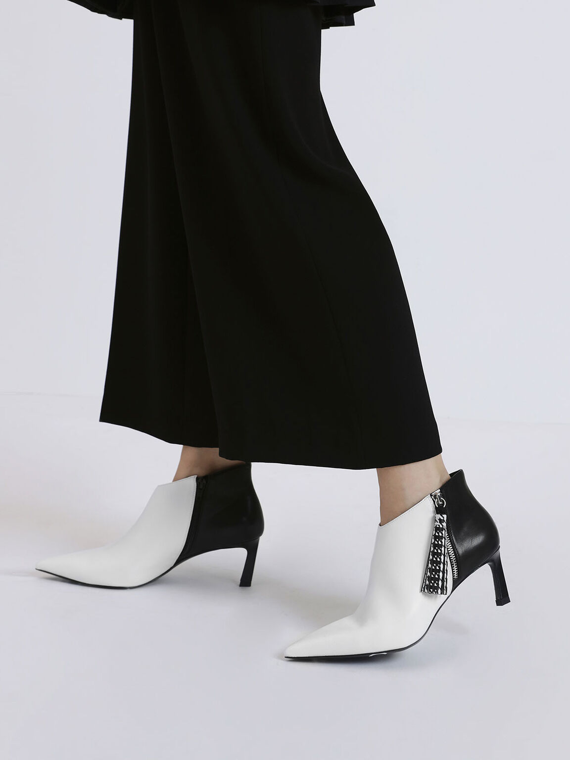 Houndstooth Printed Tassel Heeled Ankle Boots, White, hi-res
