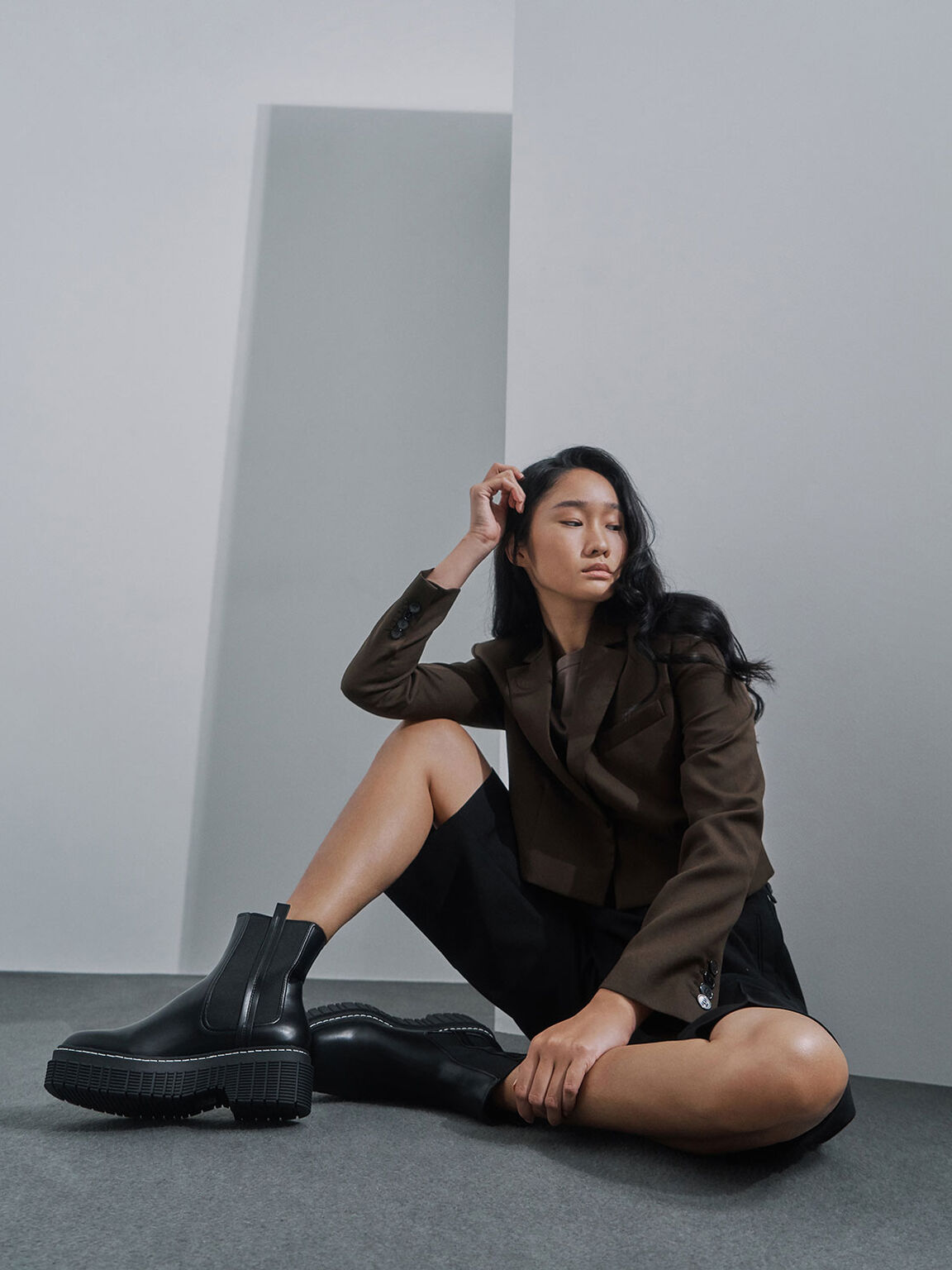 Stitch Trim Platform Chelsea Boots, Black, hi-res