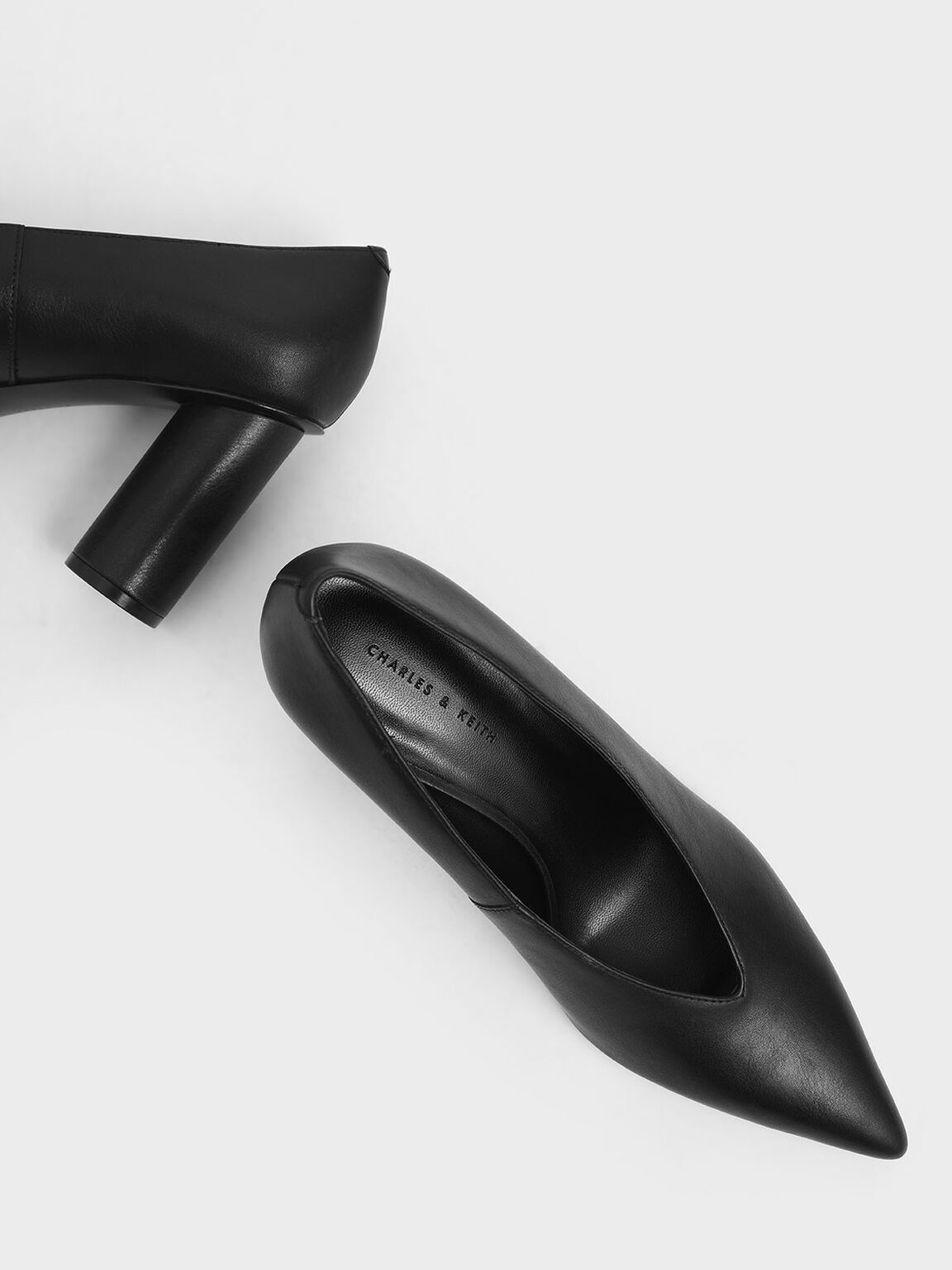 V-Cut Cylindrical Heel Pumps, Black, hi-res