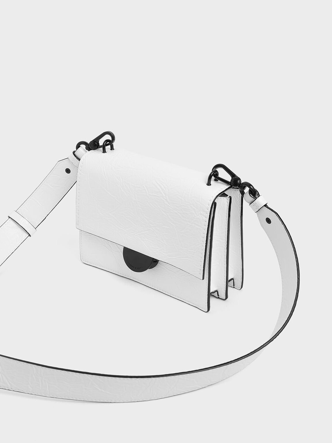 Round Metal Accent Wrinkled Effect Bag, White, hi-res