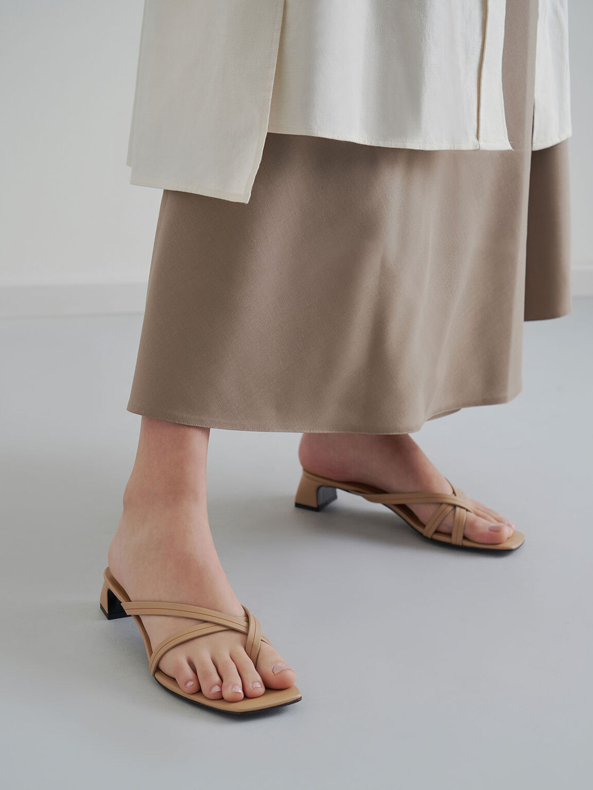Strappy Toe Loop Heeled Sandals, Nude, hi-res